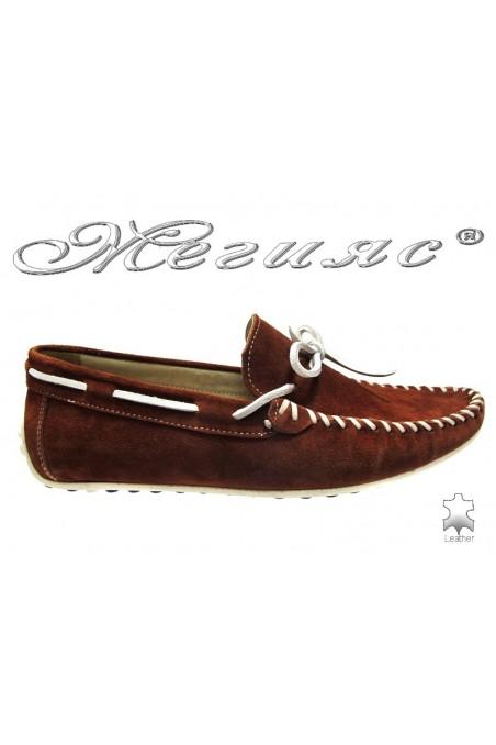 Мъжки обувки Фантазия 8122 кафяви естествен велур
