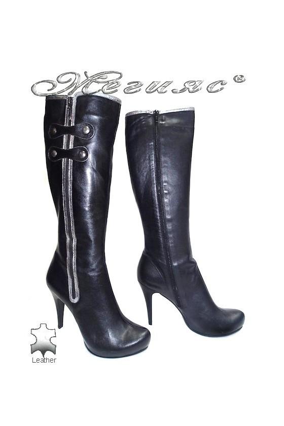Дамски ботуши 5414 черни естествена кожа