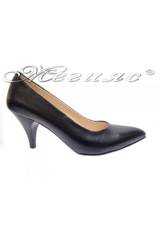 Women  shoes 117 black low heel pu
