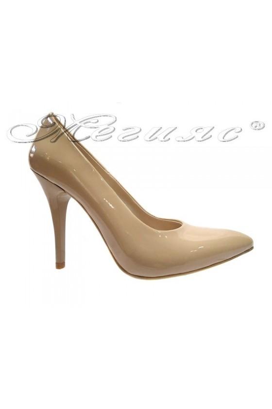 Дамски обувки  XXL 162 гигант бежов лак елегантни остри висок ток