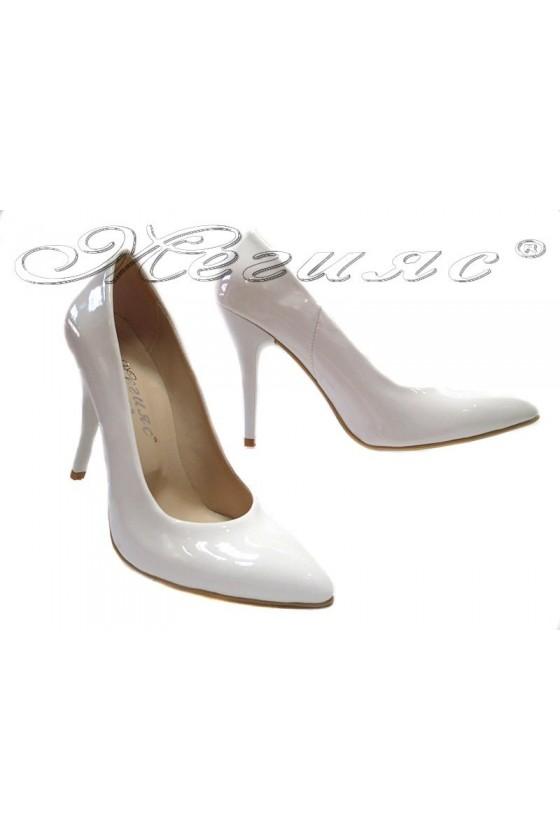 Дамски обувки XXL 162 гигант бял лак елегантни остри висок ток