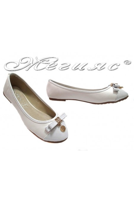 Ladies flat shoes Linda 114-031 casual white pu