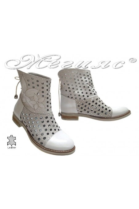 Lady summer boots 3336 white leather with low heel