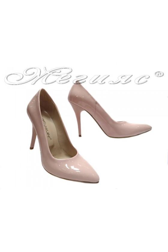 Дамски обувки 162 пудра лак елегантни остри висок ток