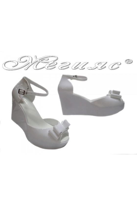 Дамски сандали Pan 114-528 бели