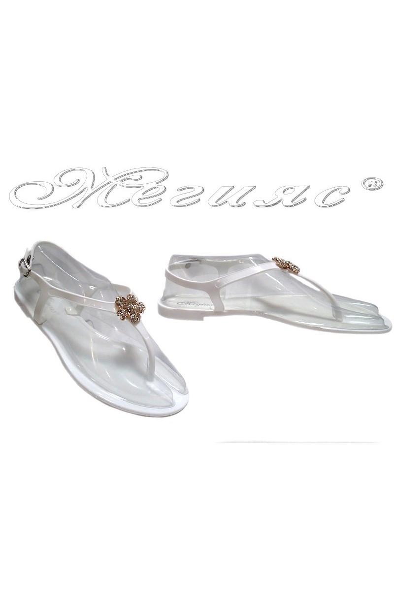 Дамски сандали Pan 114-520 бели