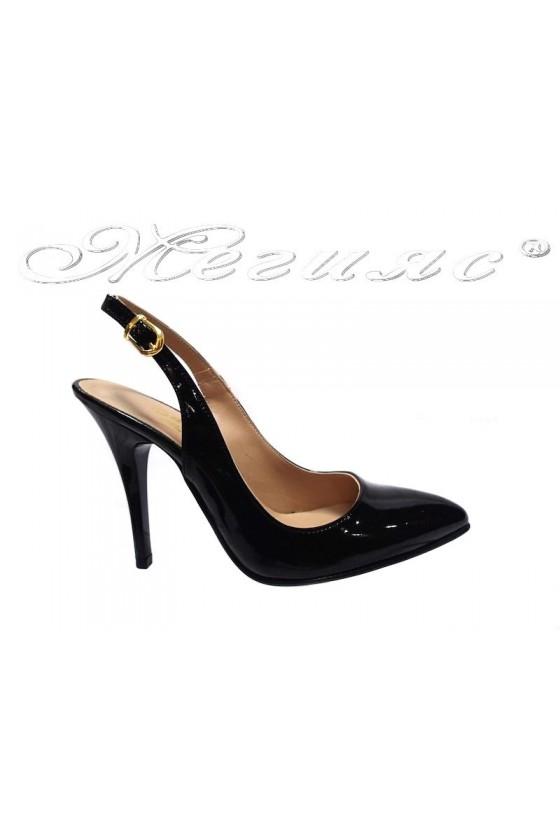 Дамски сандали 055 черни лак
