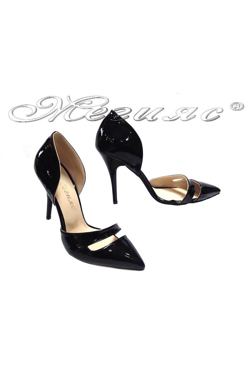 Дамски обувки 219 черен лак