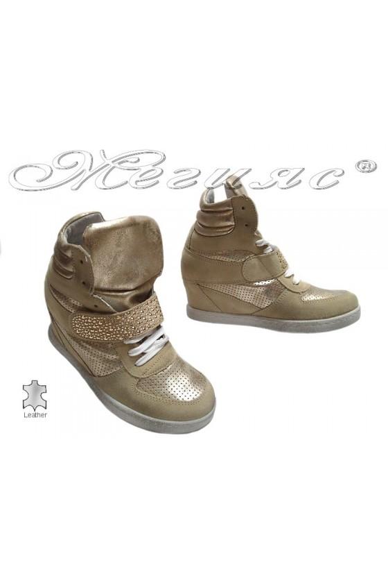 Дамски спортни обувки 20 бежово+златно естествен велур платформа