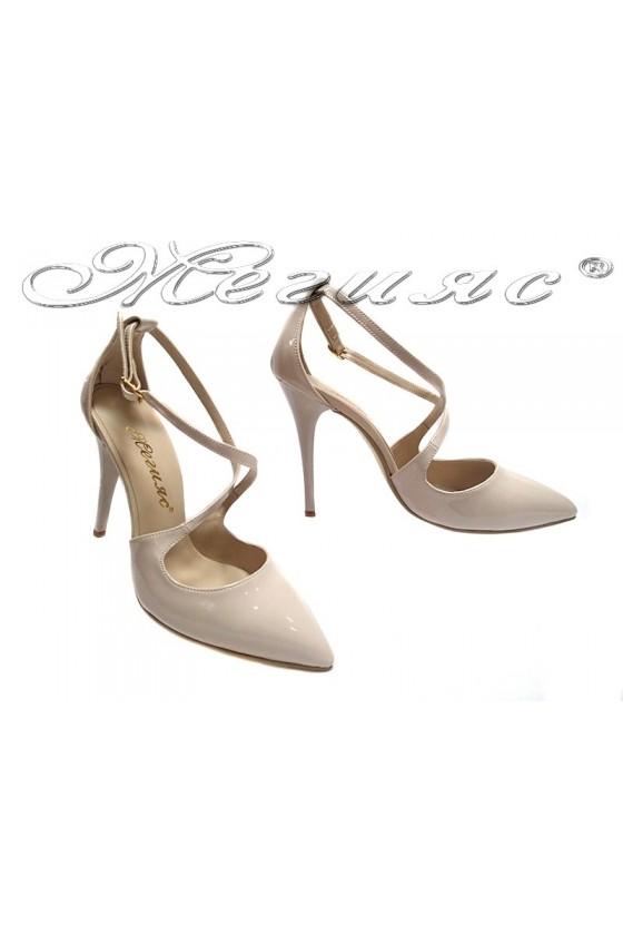 Дамски сандали 1831 бежови лак