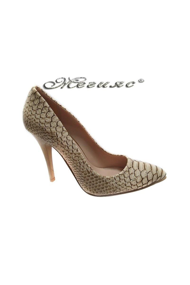 Дамски обувки 050 светло бежови