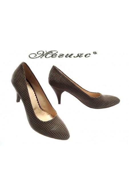 Women elegant shoes 700 middle heel beige