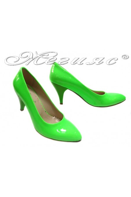 Women shoes 700 green patent middle heel