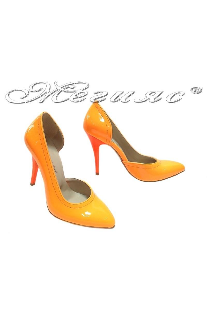 Дамски обувки 263 оранжеви лак