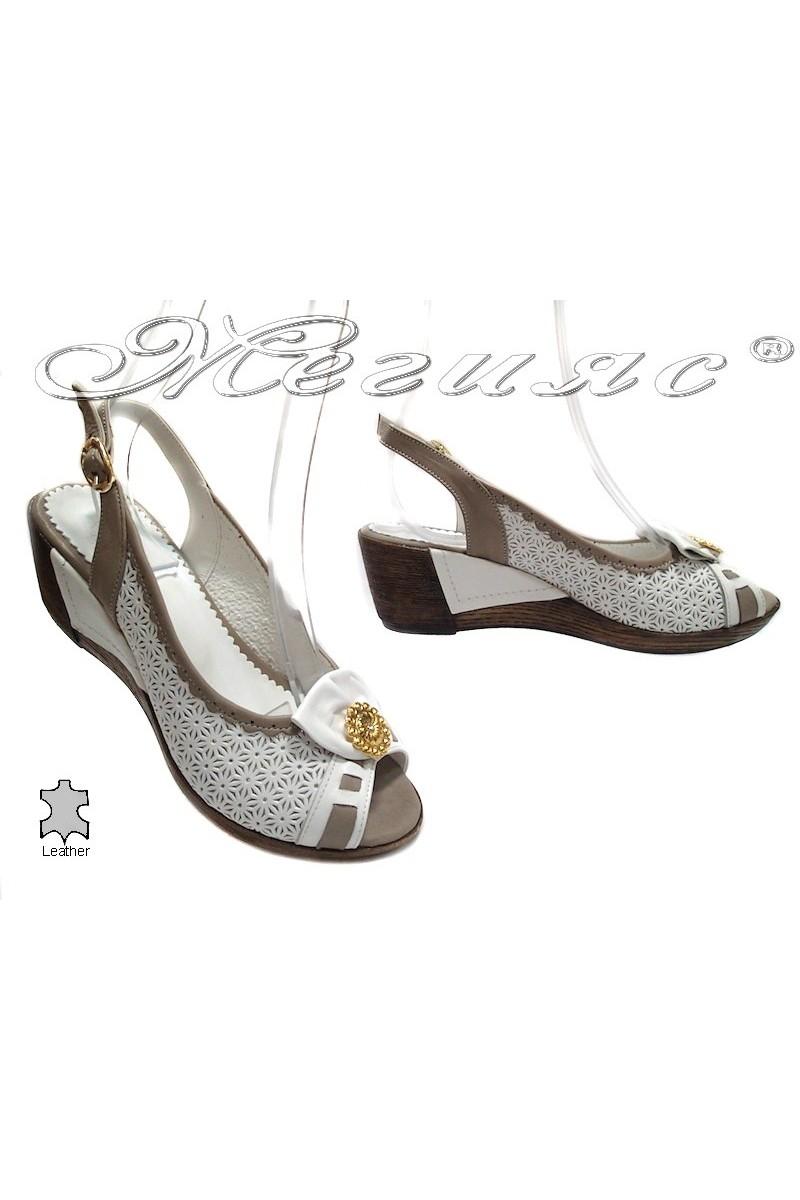 Дамски сандали 300/014/05 бяло+сиво естествена кожа