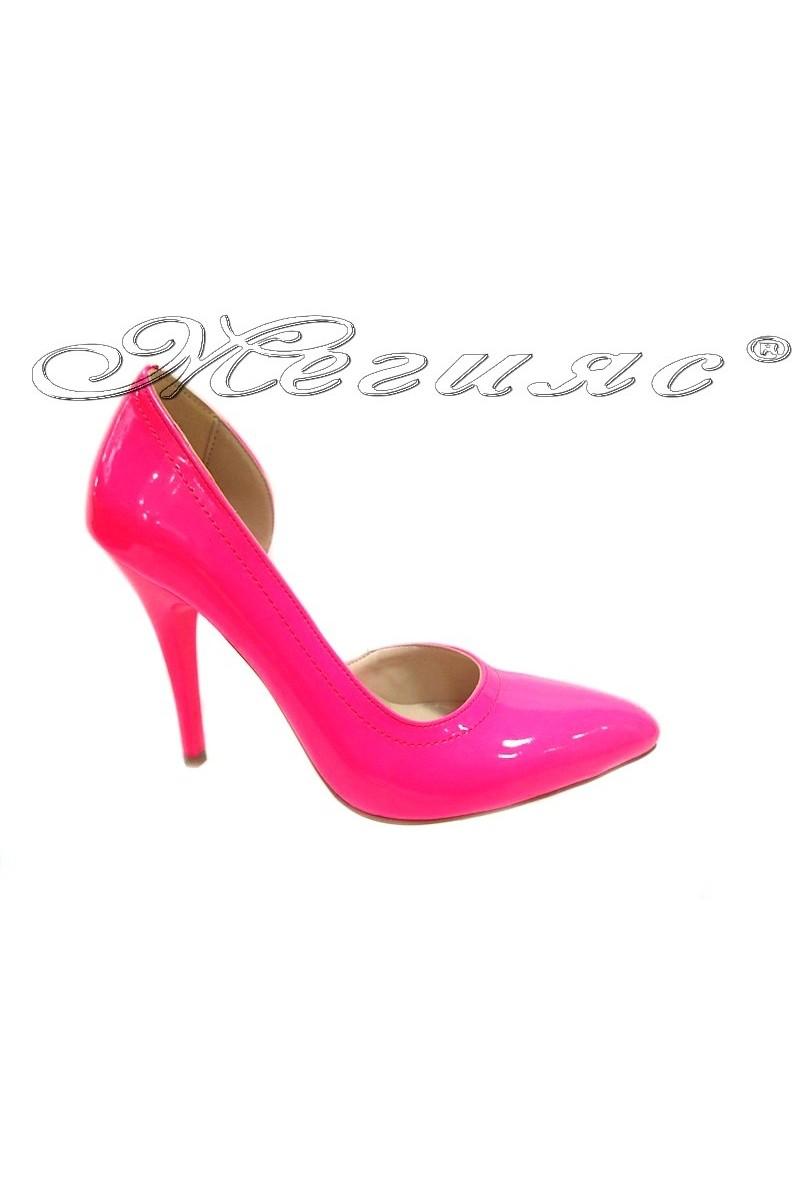 Дамски обувки 263 циклама лак