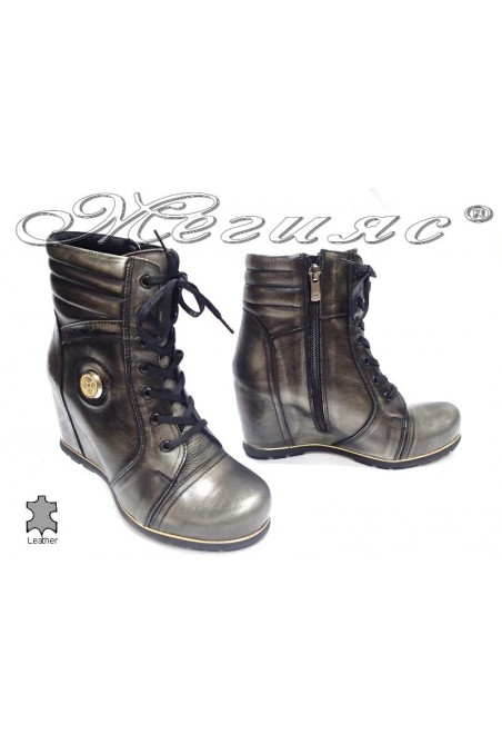 boots 180730 grey