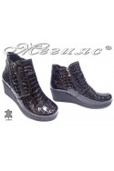 boots 285/2016 black