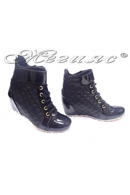 Lady sport boots 600 black pu+patent platform