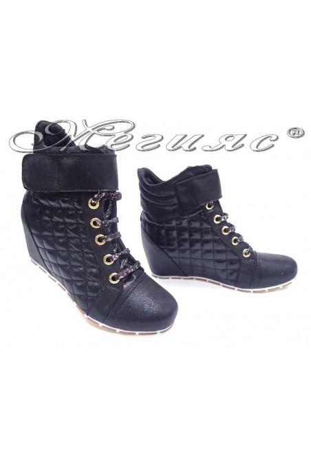 Lady sport boots 600 black brocade platform