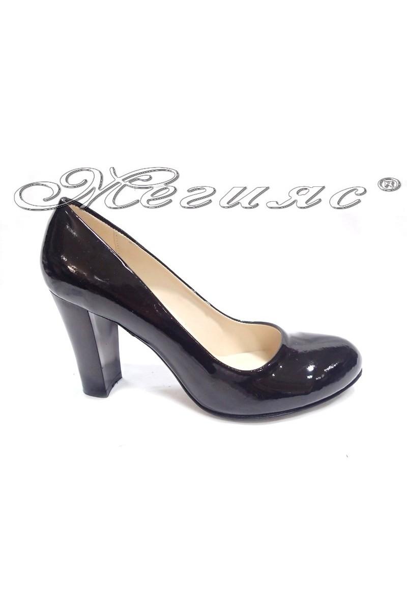 Дамски обувки 01203 черни лак