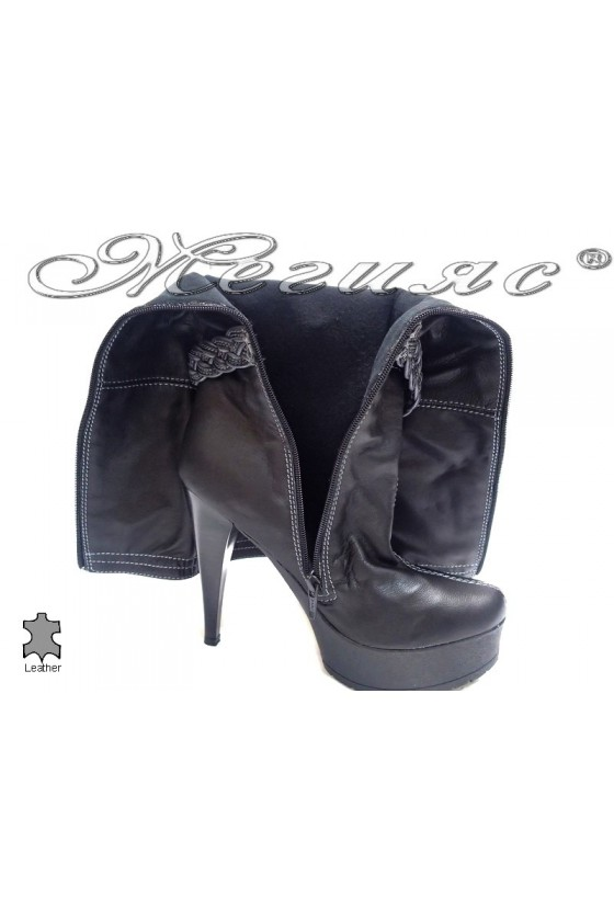Дамски ботуши 261  черни естествена кожа