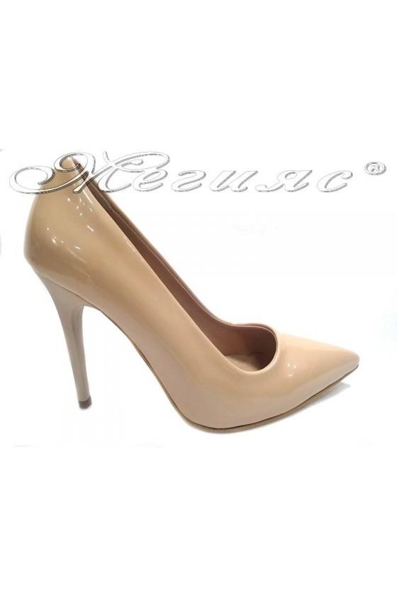 Дамски обувки 308 бежов лак елегантни остри висок ток
