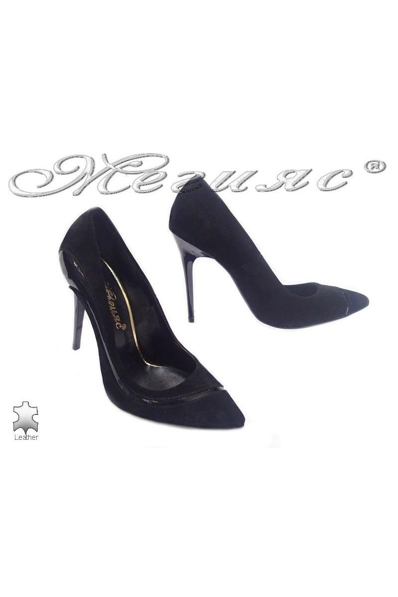 Дамски обувки 176-43 черни естествен велур