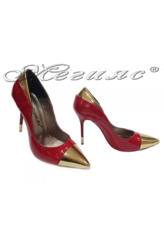 Дамски обувки 011 червен лак елегантни остри висок ток
