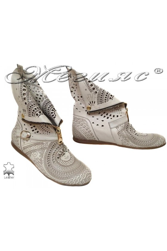 Lady summer boots 40/101/610 beige leather flat