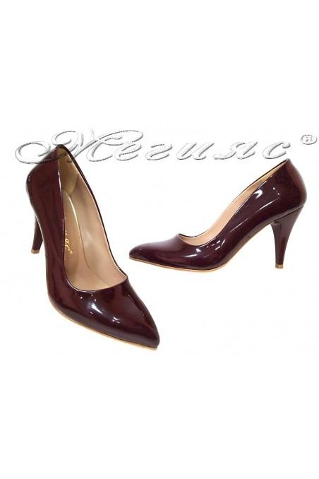 Дамски обувки 150 бордо лак остри среден ток еко кожа