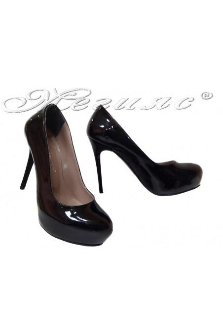 Дамски обувки 019 черен лак висок ток заоблени скрита платформа