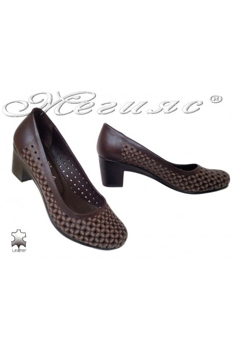Lady giant shoes 13 brown leather middle heel