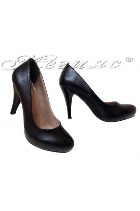 Дамски обувки 15 черни еко кожа заоблени скрита платформа