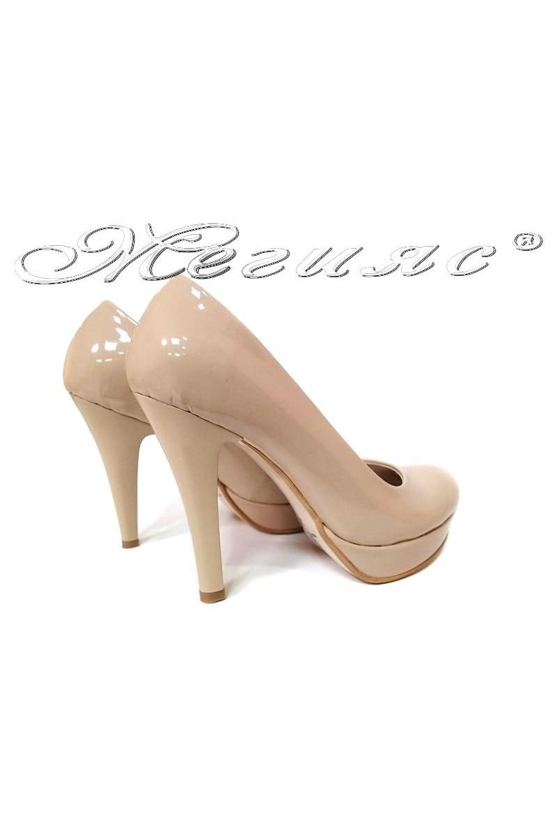 Дамски обувки 01703 бежови лак елегантни заоблени висок ток еко кожа