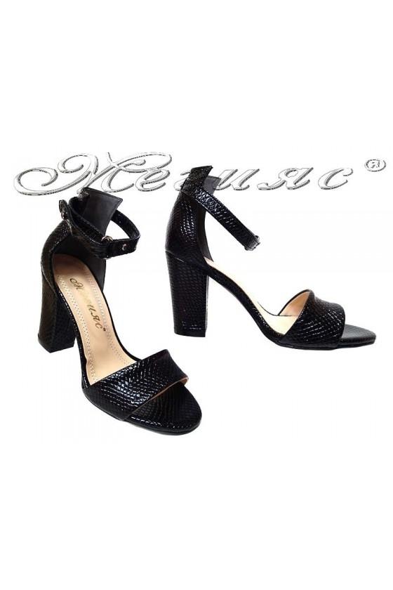 Дамски сандали 143 черни лак змия елегантни висок широк ток