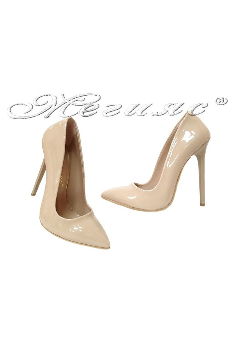 Дамски обувки 301 бежови лак елегантни остри висок ток
