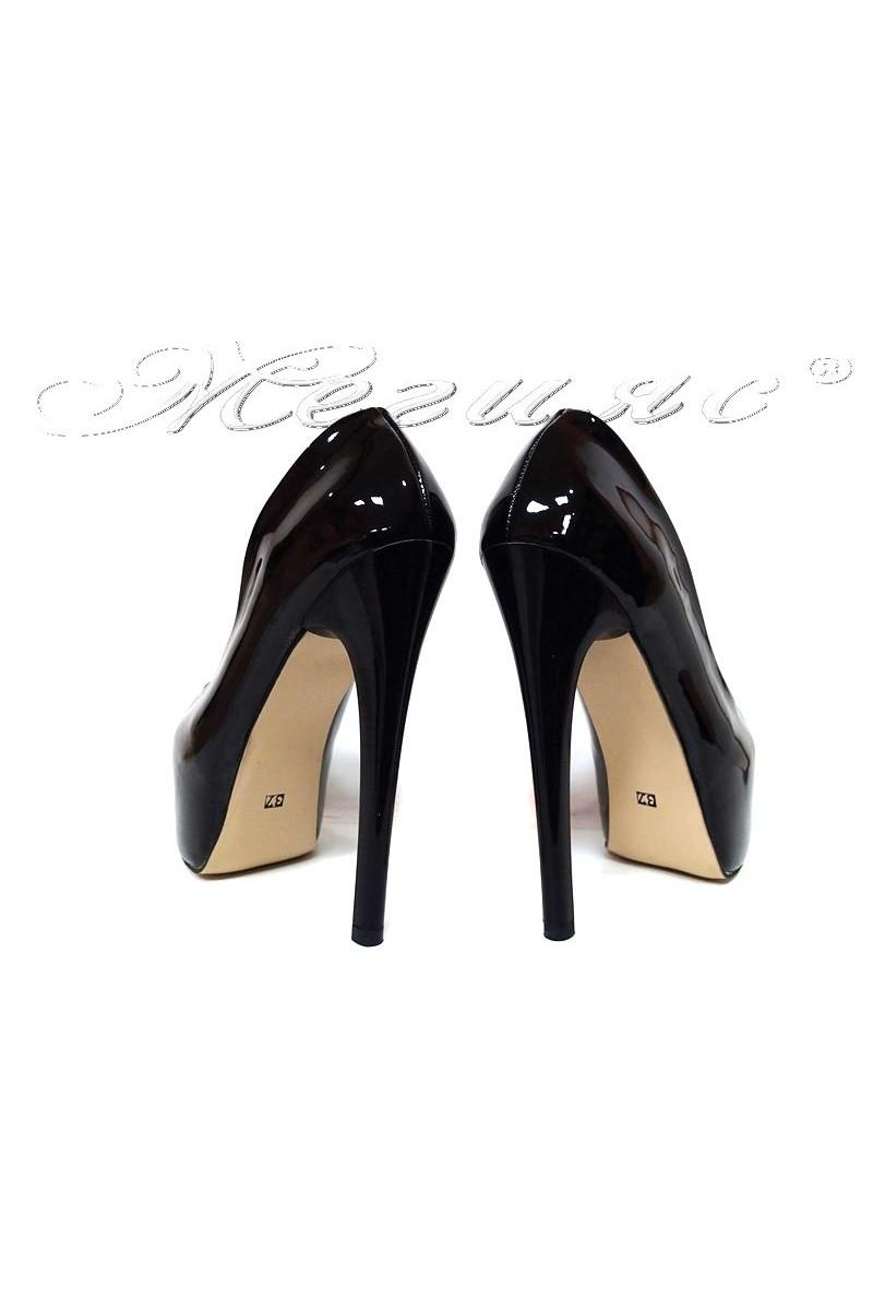 Дамски обувки 50 черни лак елегантни висок ток