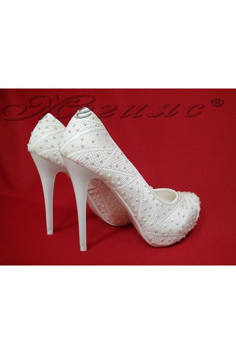 Дамски обувки Carol 16011 бели елегантни висок ток