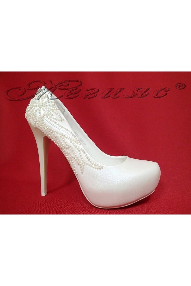 Дамски обувки Carol 16012 бели елегантни висок ток