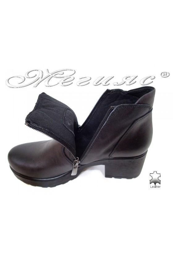 Дамски боти 285/7125 мат черни широк ток ежедневни естествена кожа
