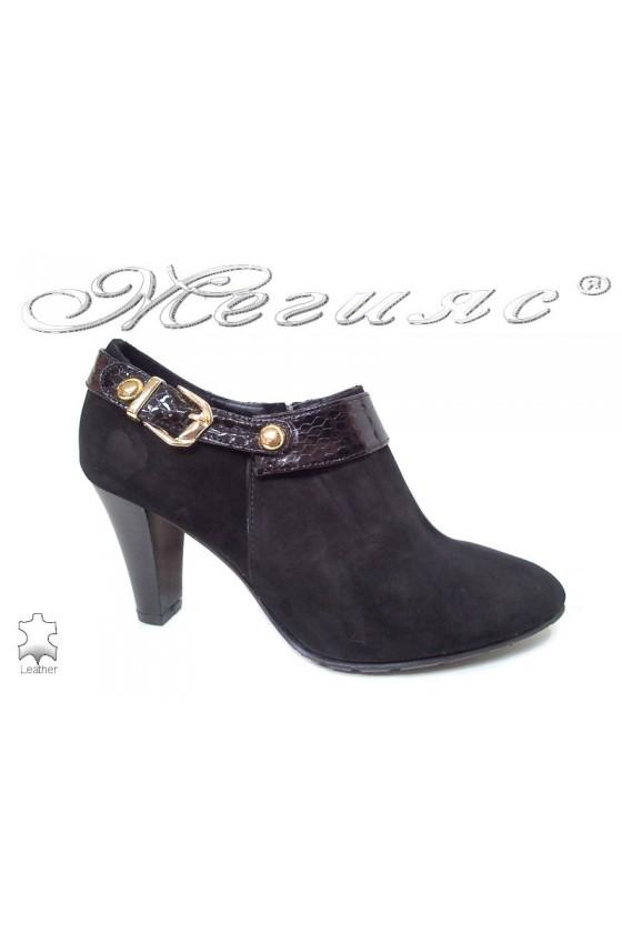 Lady elegants shoes 211-32-50 black leather suede
