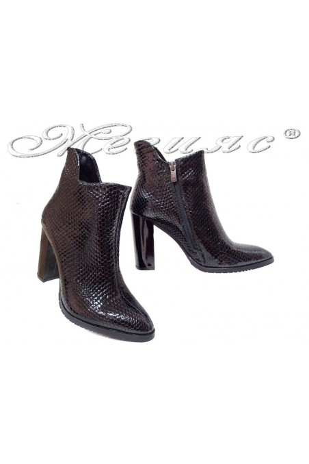 Women boots 79 black patent