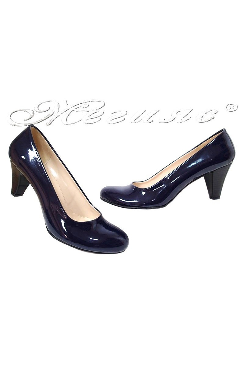 Дамски обувки 120 тъмно син лак среден ток заоблени