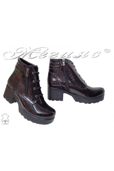 Lady casual boots 400/7125 black pattent leather