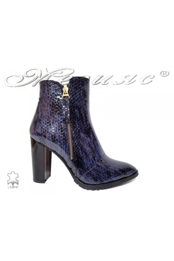 Lady boots 504 blue pattent leather