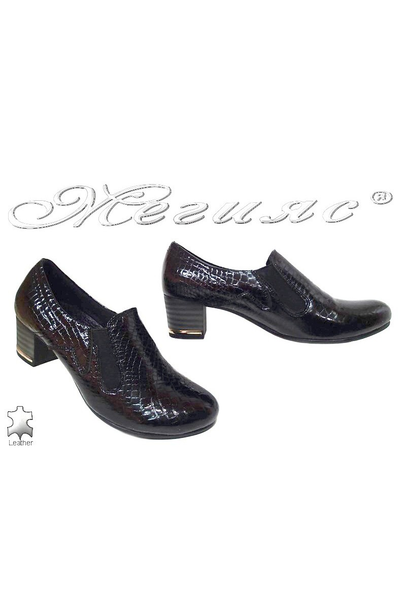 Lady shoes 92-405 black pattent leather