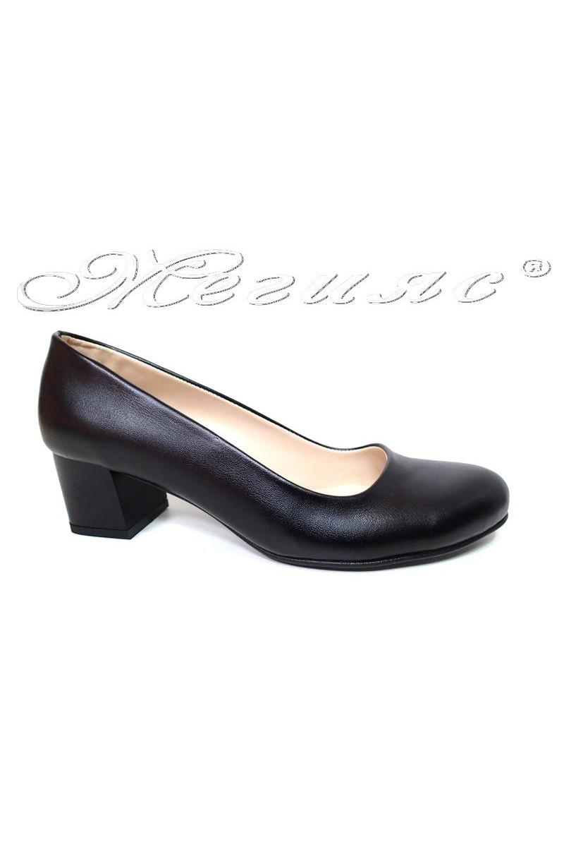 Дамски ежедневни обувки 07 черни еко кожа среден ток