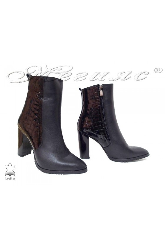Lady boots 82 black leather...