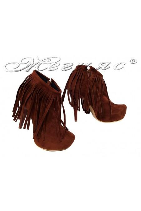Women elegant boots 21-17 brown suede